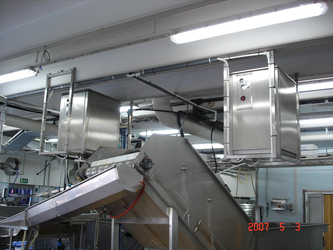 fluid ice conveyor